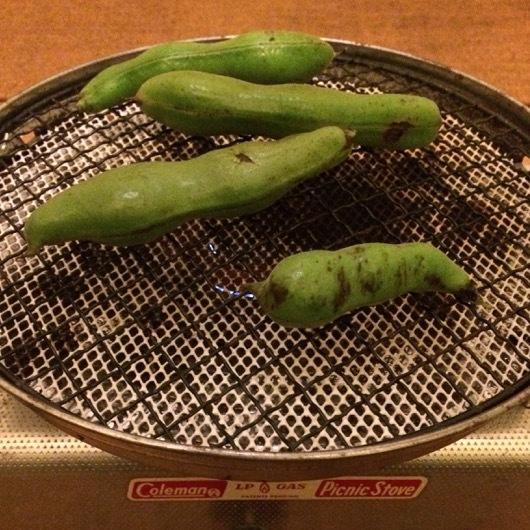 そら豆の網焼き
