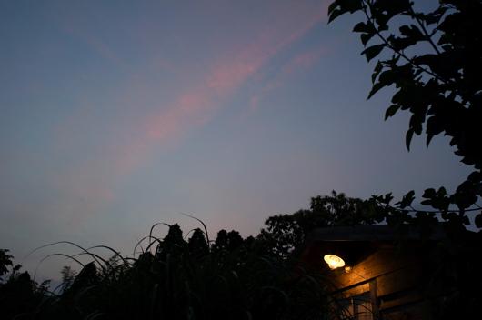 小屋と夕日