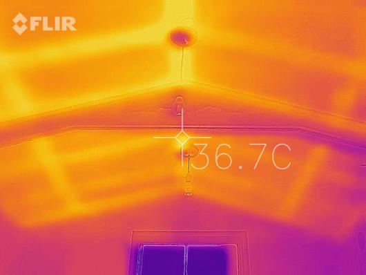 サーモカメラ Flir One for iPhone 小屋の天井