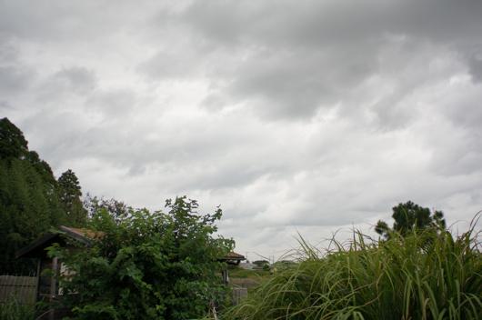 房総フィールド上空は厚い雲