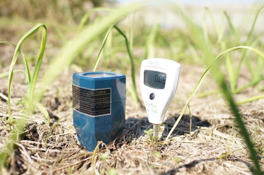 房総フィールドで計測しているEC、pHメーター