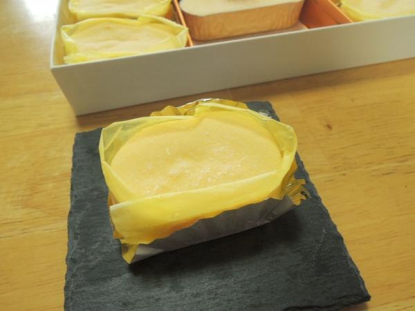 ラグノオ 窯出し半熟チーズケーキとチーズブリュレ (5)