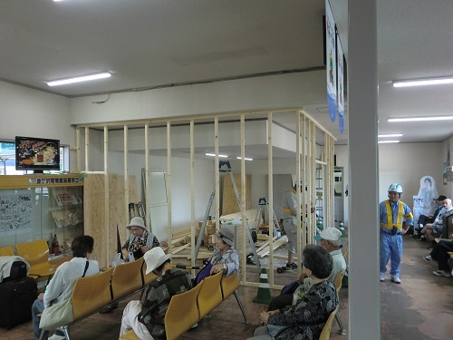 001鯵ケ沢駅