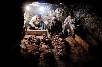 金細工職人の墓