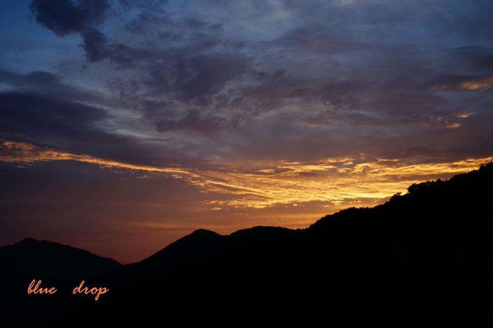 山波の夕暮れ