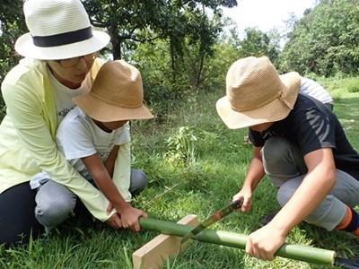 3-協力して竹を切る