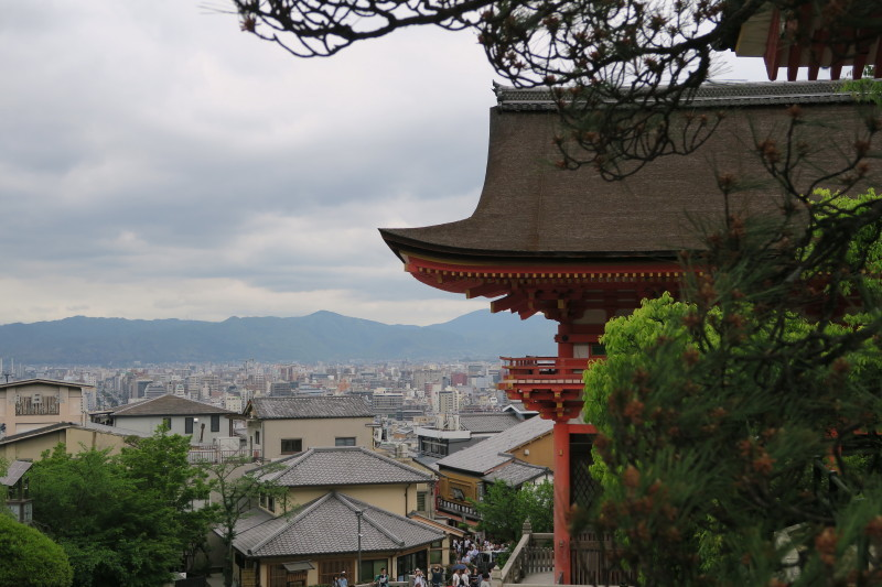 西門から京都を臨む