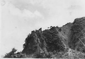医王山大池から鳶岩