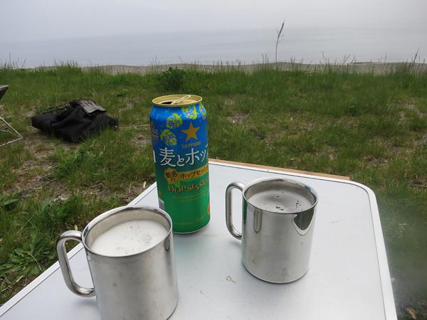 高岡オートキャンプ場 ビールで乾杯