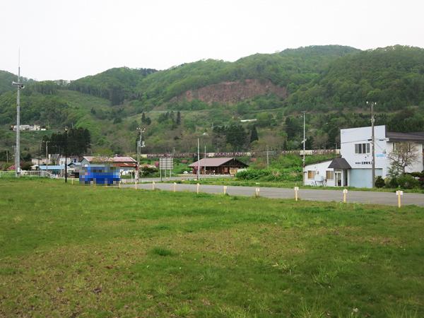 高岡オートキャンプ場 山側を走る汽車