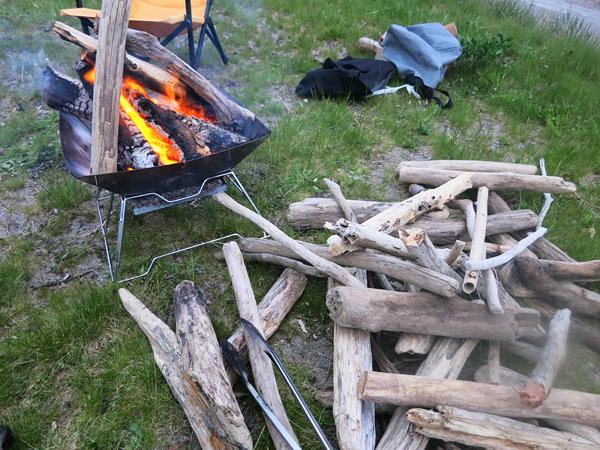 高岡オートキャンプ場 焚火 流木