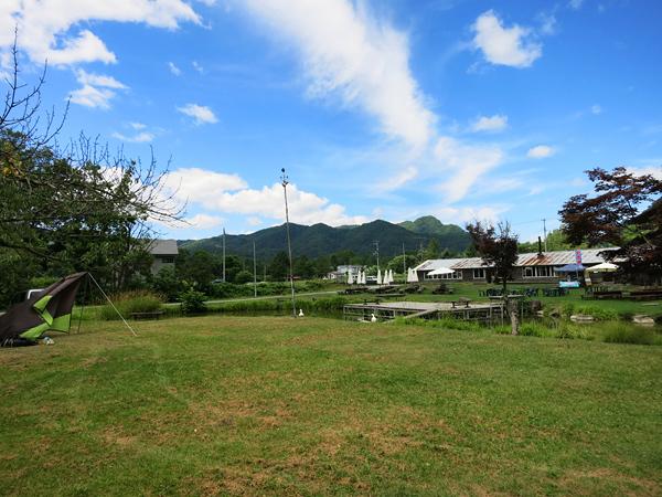 八剣山果樹 キャンプ場 東側奥から