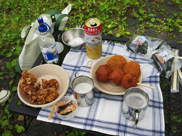 湯元温泉野営場 峠のあげいも 中山チキン 牛肉コロッケ