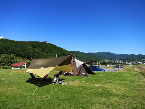 高岡オートキャンプ場  T.P.クレスト システムタープヘキサDX ウィンザーホテル