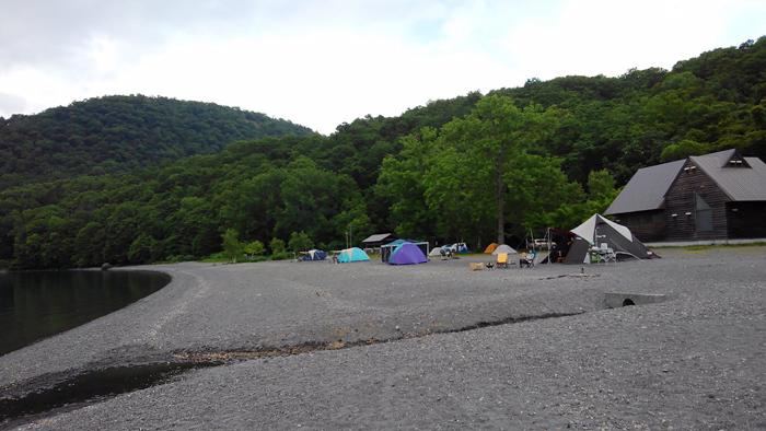モラップキャンプ場 T.P.クレスト テント群