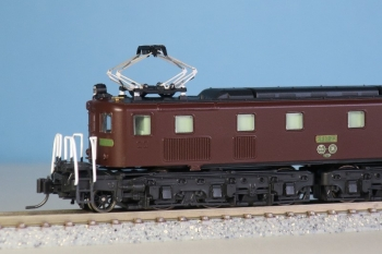 EF10 11
