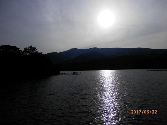 夕暮れのバラギ湖