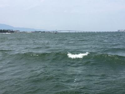 強い北風でババ荒れの名鉄沖(6月10日13時45分)
