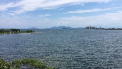 琵琶湖大橋西詰めから眺めた北湖(8月2日12時頃)