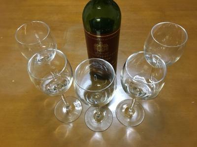 赤ワイン用グラス 5個220円