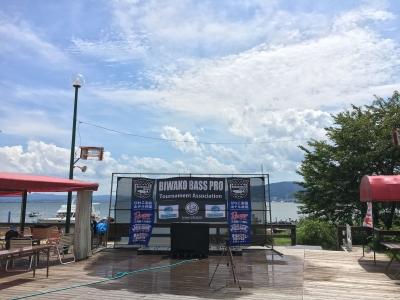 夏空が続く琵琶湖南湖南エリア。今日はちょっと雲が多いですね(8月20日13時頃)
