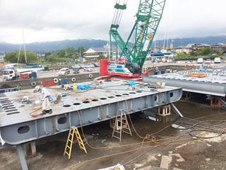 大津市今堅田の杢兵衛造船所で建造が始まっta琵琶湖の新学習船