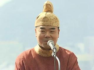 三日月滋賀県知事のびわ湖開きコスプレ