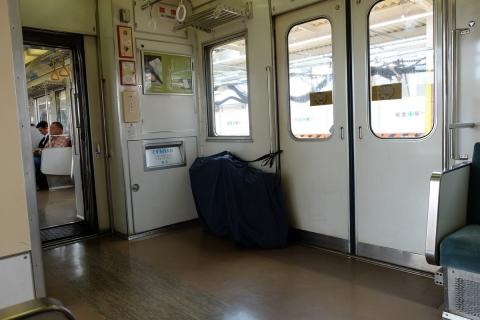 04東武日光線車内