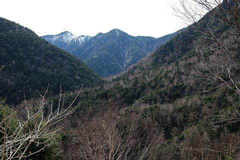 39山王峠涸沼を囲む山々