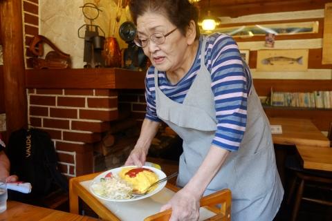 04食堂の奥さん