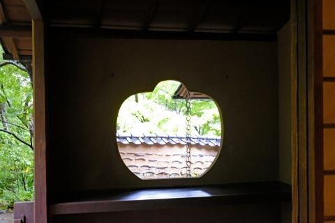 49松永記念館笠の窓