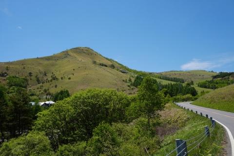 18霧ヶ峰へ正面に車山