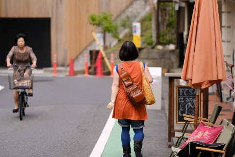 12オレンジの服