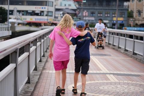 06江の島仲良し姉弟