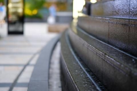 a3東京ミッドタウン階段の流れ