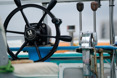 02江の島弁天丸操舵