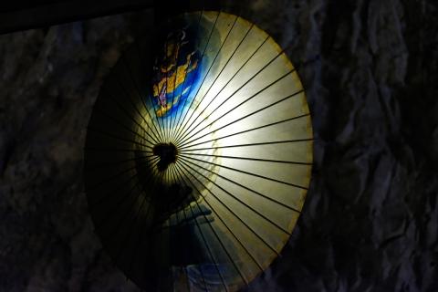 19江の島岩屋絵傘