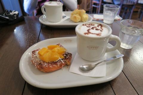 04カフェで朝ご飯