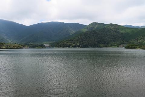 09田貫湖湖面を渡る涼風