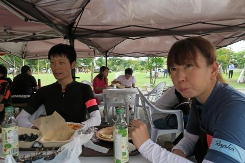 06フードパーク食事