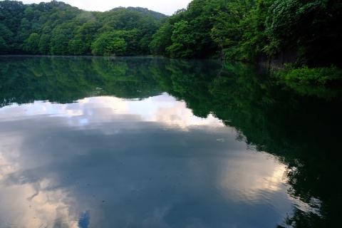 04早朝の十二湖