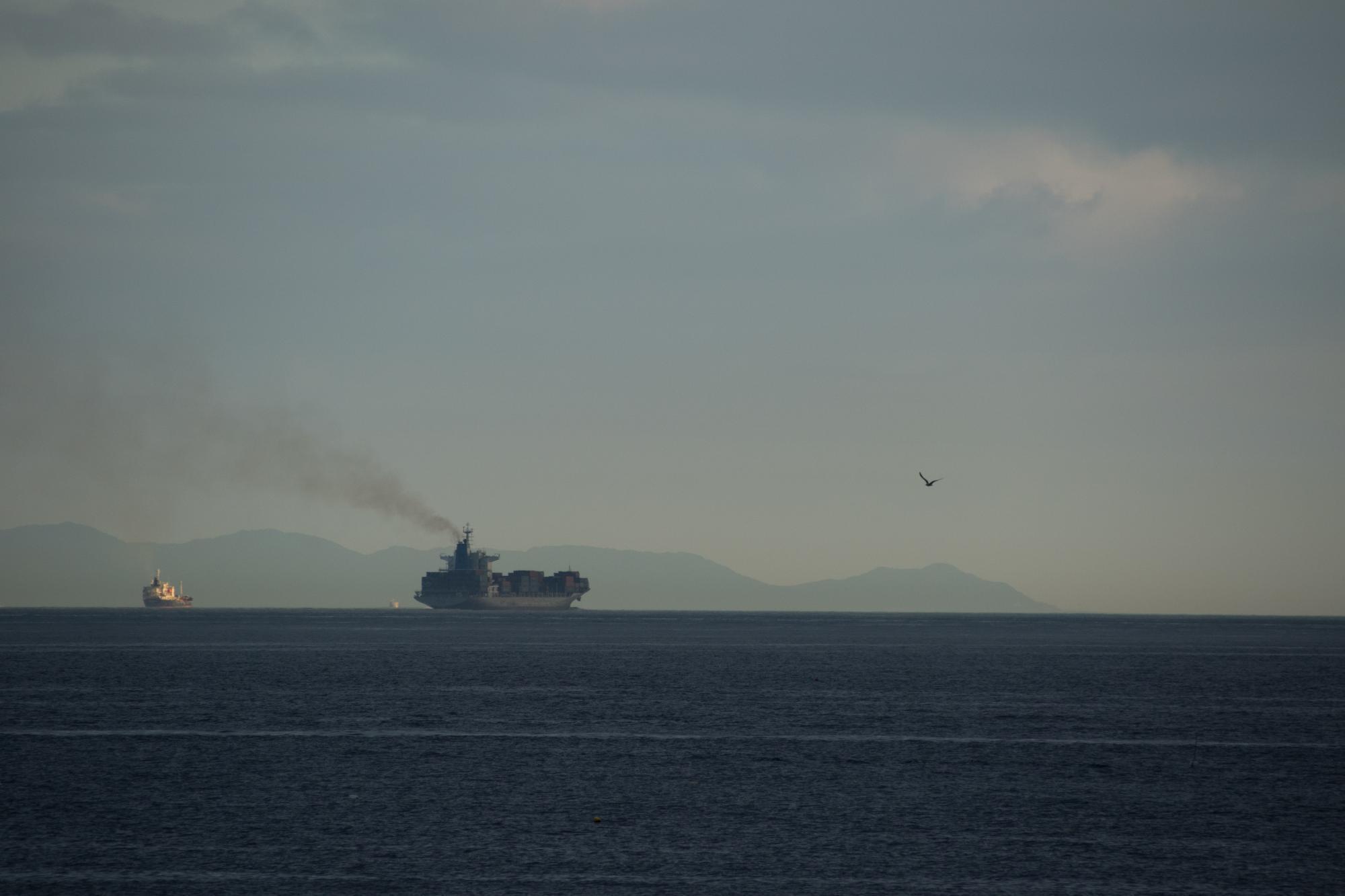 20170817-船黒煙