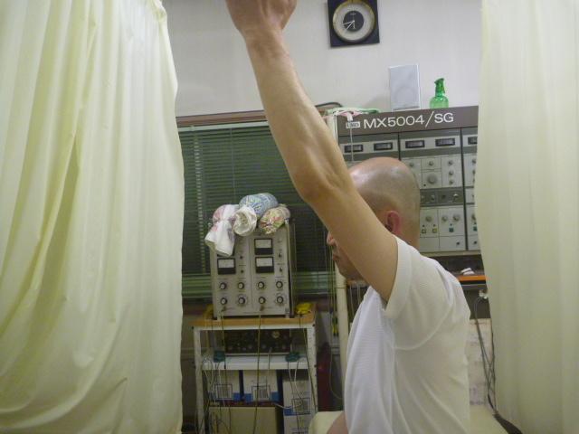 施療後 左肩前方挙上時の方の痛み軽減し可動拡大
