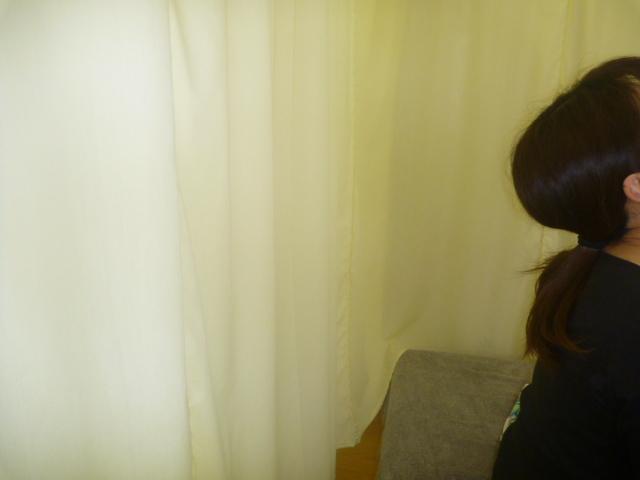 施療後 首後屈がしやすく首後下部の痛み和らぐ