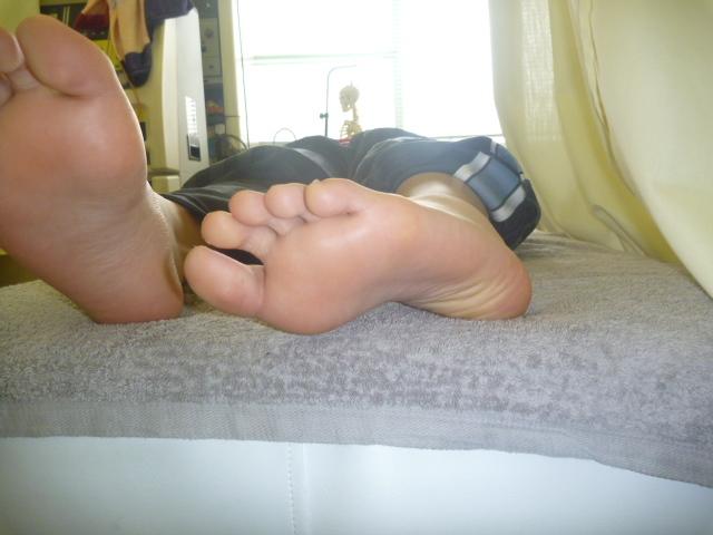 施療後 左足関節回内がしやすくなり痛み和らぐ
