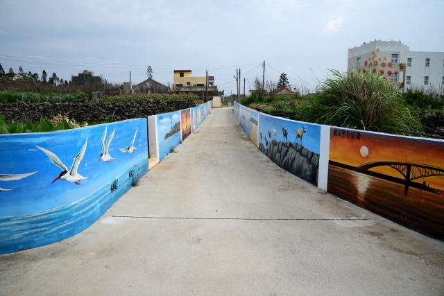 絵画のある村(2)