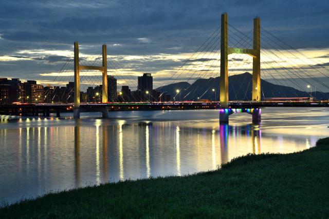 重陽橋夜景(2)