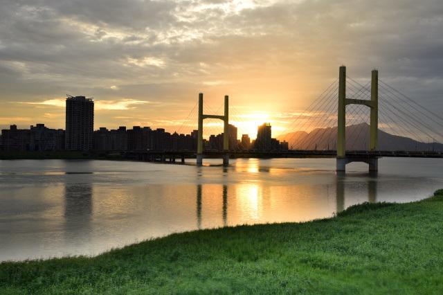 重陽橋夜景(1)