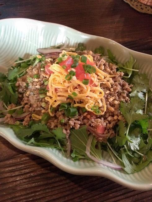 鶏ひき肉のレモングラス炒めご飯 ブログ