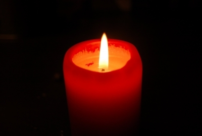 candle-789376-400x270-MM-100.jpg